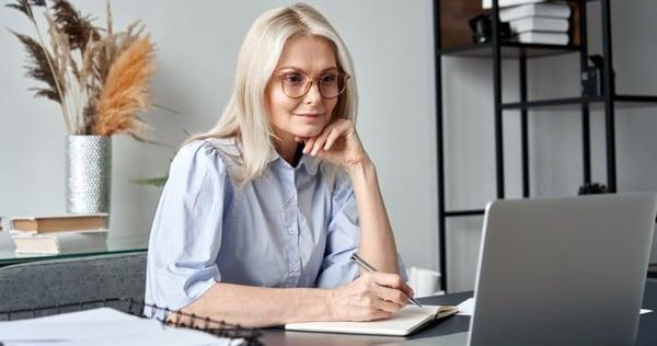 woman on computer webinar
